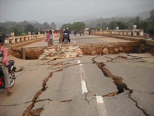 voa_burma_earthquake_damages02_25mar11