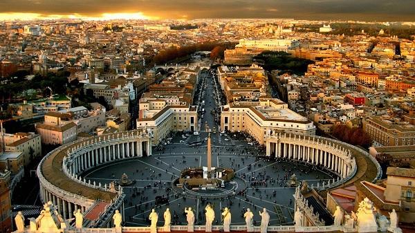 В его пределах города рим расположен