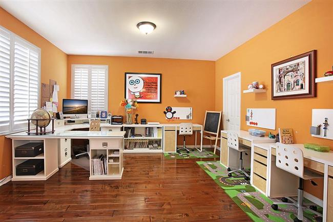 Home-office-and-workspace-for-the-entire-family-Custom